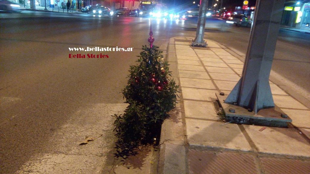 Bella Stories Απίστευτοι Θεσσαλονικείς στόλισαν αληθινό δεντράκι στη μέση κεντρικού δρόμου