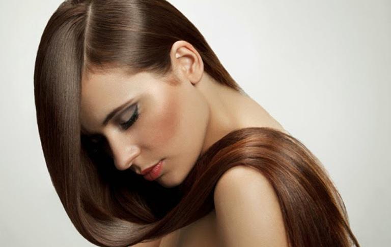Μια επιτυχημένη βαφή μαλλιών είναι αυτή που αναδεικνύει τα μάτια μιας  γυναίκας και το χρώμα της επιδερμίδας της. Συζητώντας με το δυναμικό team  κομμωτριών ... e6837e4942e