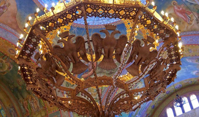 chandelier-of-agios-andreas-in-patra