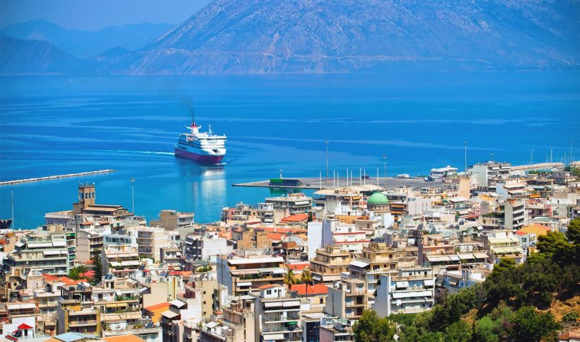 the-blue-sea-in-the-port-of-patra